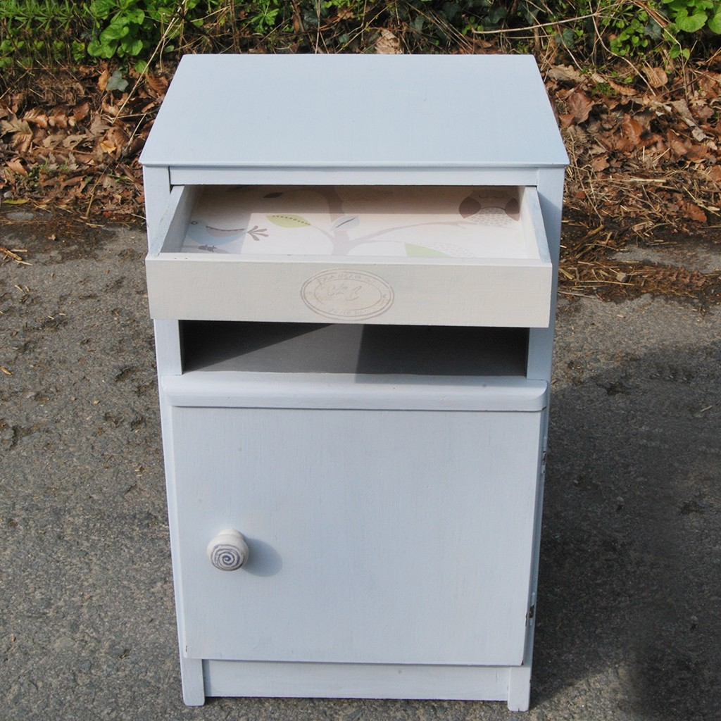 Small Locker with Drawer